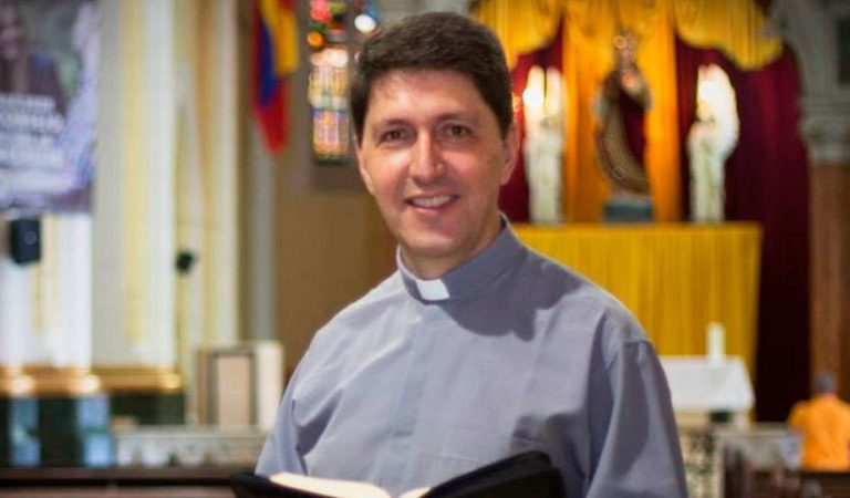 Desde el Vaticano suspenden al padre Carlos Yepes de Medellín por denuncias de abuso sexual